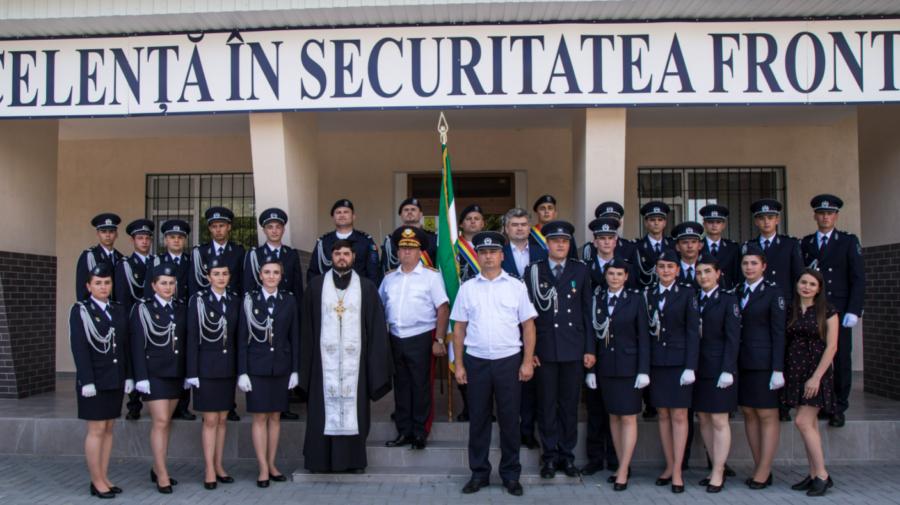 """FOTO S-a MĂRIT """"familia"""". De mâine, 58 de absolvenți vor activa în subdiziviunile de frontieră"""