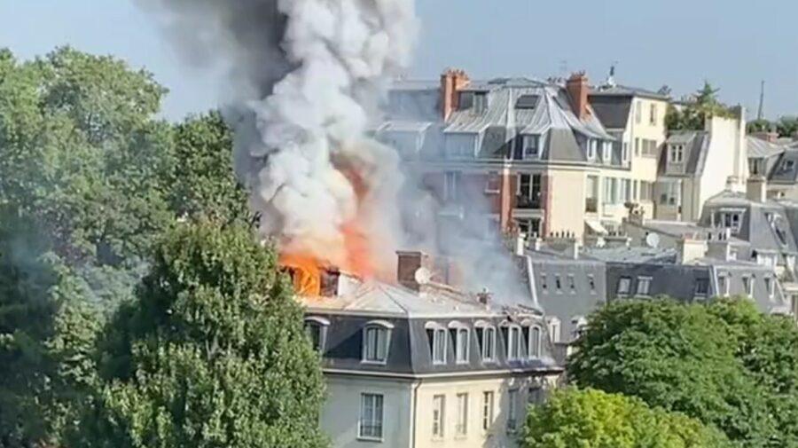 VIDEO Ambasada Italiei la Paris, în flăcări! Acoperișul clădirii s-a prăbușit, urmează evacuarea locuitorilor din zonă