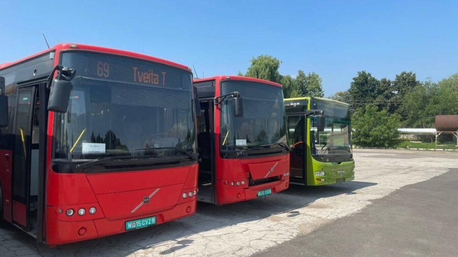 FOTO Au ajuns în Parcul Urban de Autobuze. Încă șapte unități pentru suburbiile Chișinăului