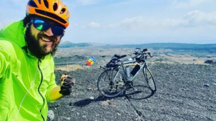 FOTO Peste tot cu BICICLETA! Ciclistul Ștefan Gîncu și-a exercitat dreptul la vot în DANEMARCA