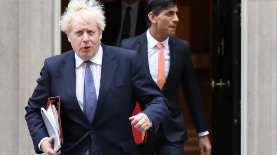 Deși a contactat cu o persoană infectată cu COVID-19, Boris Johnson nu se va izola pentru toată perioada de 10 zile