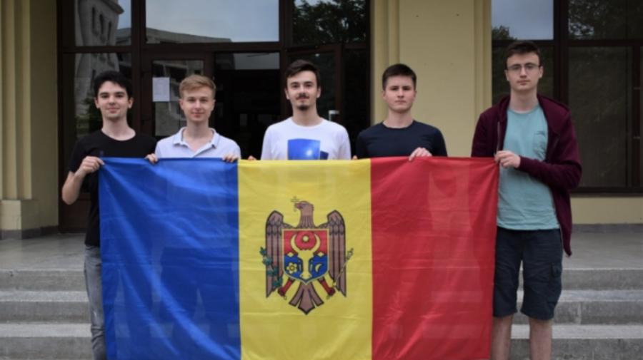 Au adus acasă BRONZUL! Patru moldoveni s-au remarcat la un concurs internațional