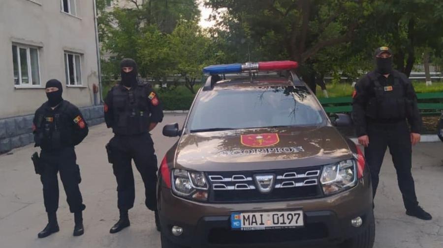 Carabinierii, la DATORIE. Au legitimat și reținut peste 170 de persoane
