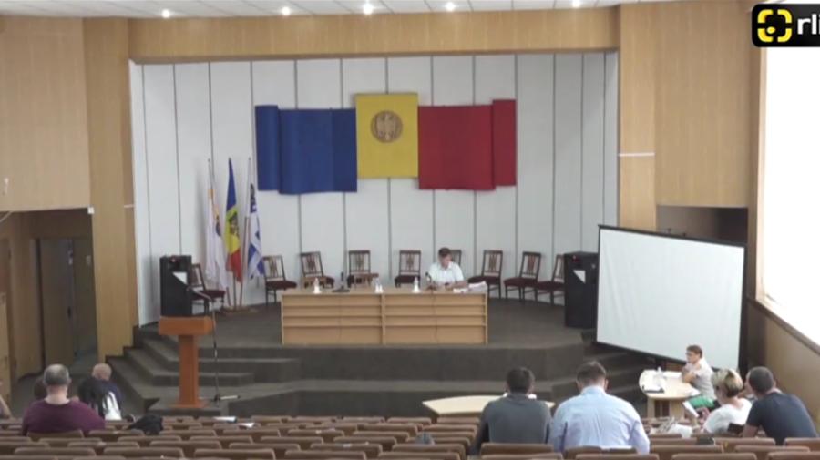 VIDEO Dispute la CMC! Silvia Grigore: Cine ești tu să-mi închizi gura! Cui i s-a adresat consilierul?