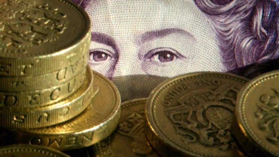 """""""Ziua libertății"""" prăbușește moneda britanică! Lira sterlină înregistrează cel mai scăzut nivel din aprilie"""