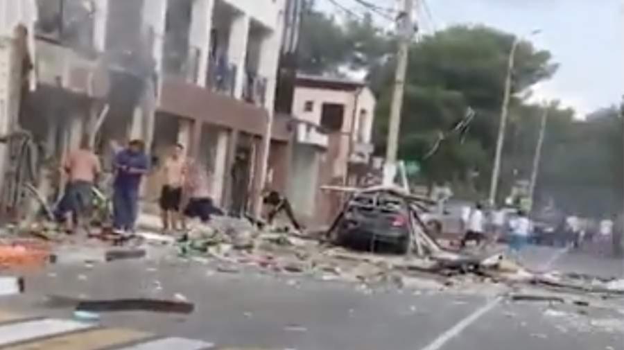 VIDEO Explozie de proporții la un hotel din Rusia! Sub dărâmături se află oameni. Peste 50 de persoane au fost evacuate