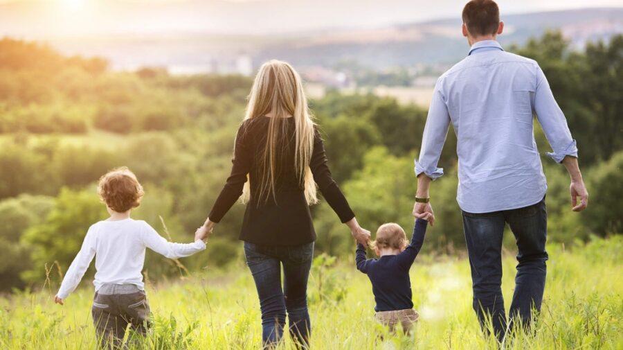 În atenția beneficiarilor de indemnizaţii pentru familii cu copii! Vă puteți ridica banii