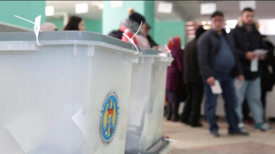 Pe parcursul zilei, a fost întrerupt procesul de filmare a operațiunilor electorale în mai multe secții de votare