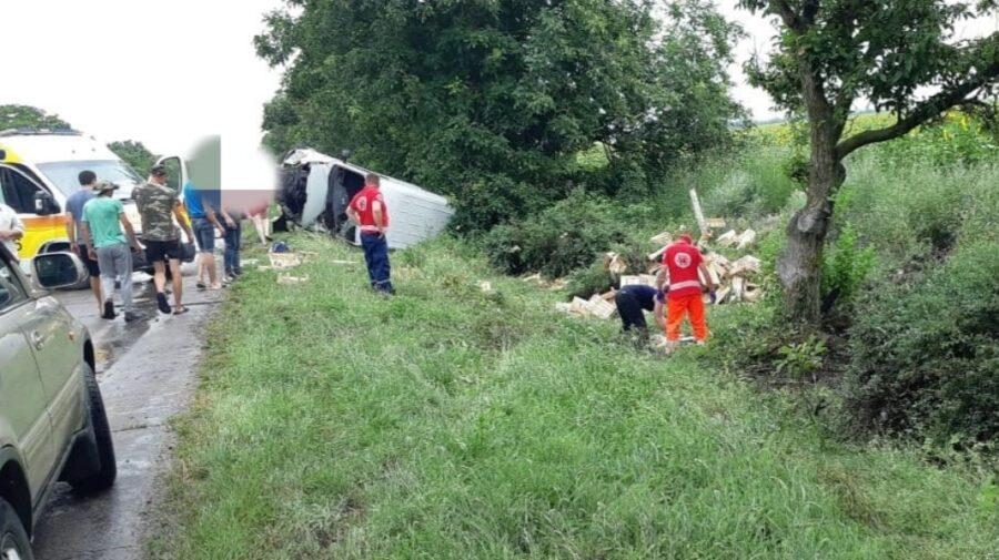 Doamne Ferește! Un băiat de 18 ani a ieșit la depășire cu un Mercedes la Căușeni. Accidentul a fost fatal!