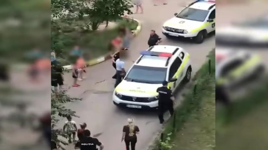 VIDEO Un bărbat a fost reținut, după ce ar fi propus unor fetițe de 10 ani să întrețină relații sexuale pentru 500 lei