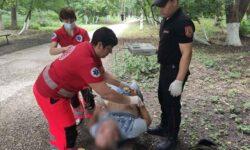 Bărbat din municipiul Bălți, găsit la sol în stare de inconștiență. A fost transportat la spital