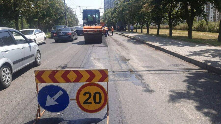 FOTO În CAPITALĂ continuă lucrările de REPARAȚIE și de lichidare a situațiilor de avariere