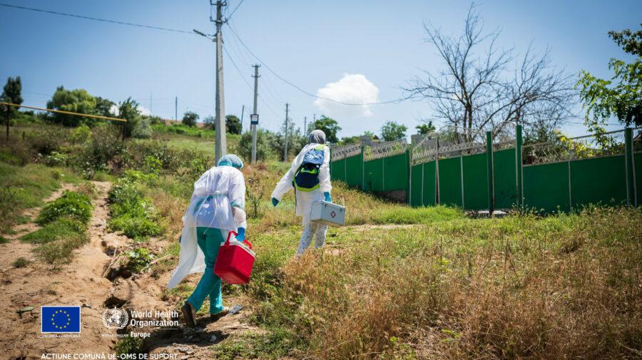 FOTO Satul din Cahul cu peste 20% din locuitori vaccinați anti-COVID. Medicul de familie merge din casă în casă