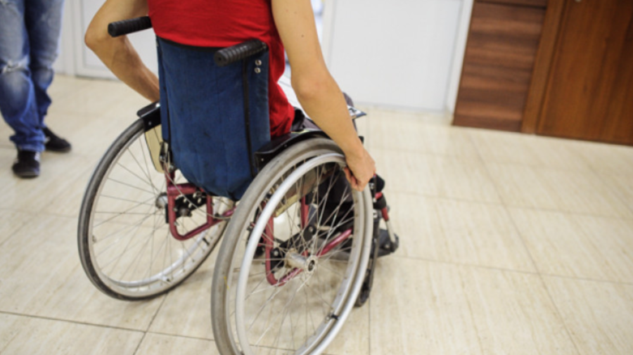 Materialele electorale, INACCESIBILE pentru persoanele cu dizabilități. Ce spun SPECIALIȘTII