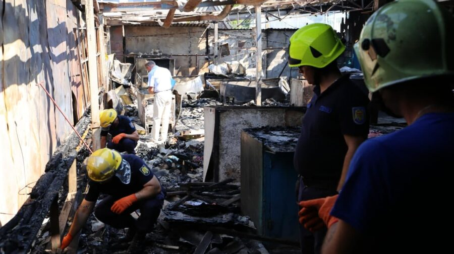 FOTO Noi DETALII despre incendiul de la piața din Rezina. Specialiștii au TREI versiuni