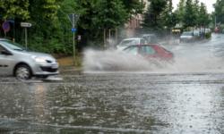 FOTO În urma ploilor de ieri ți-ai pierdut plăcuța de înmatriculare? Iată de UNDE o poți recupera