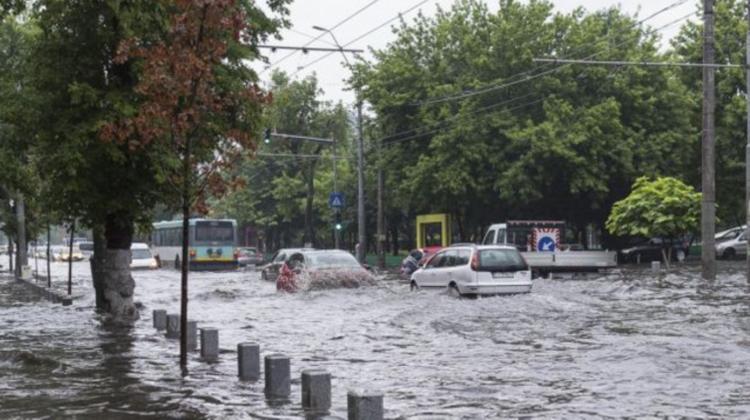ULTIMĂ ORĂ! Moldova, sub două coduri galbene! Se prognozează ploi puternice până la miezul nopții
