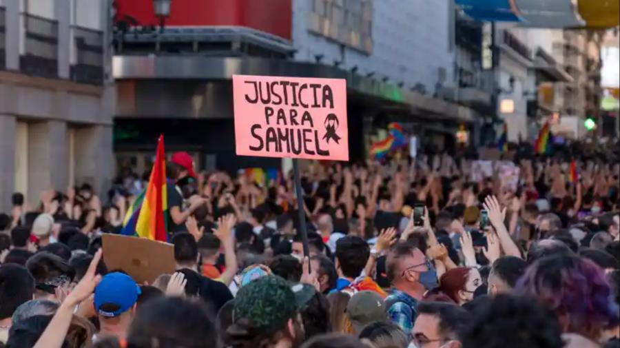 VIDEO Spania protestează împotriva homofobiei! Ar fi fost omorât un bărbat de orientare sexuală netradițională