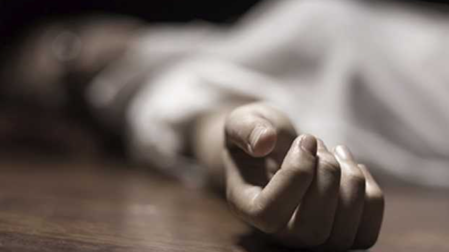 CUTREMURĂTOR! Un bărbat din Briceni și-a tăiat venele cu un cuțit. POLIȚIA: Ar mai fi încercat să-și ia viața
