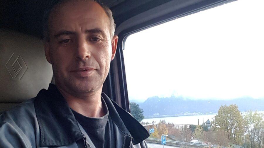 """Un șofer român de TIR se oferă să ajute """"frații moldoveni"""" să ajungă la o secție de votare din Franța"""