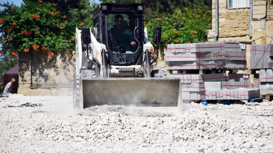 FOTO Ilan Șor: Lucrările de amploare de modernizare a curților de bloc continuă la Orhei
