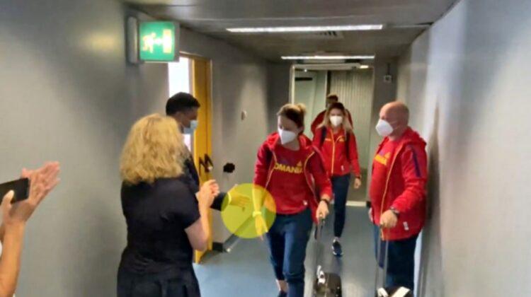 VIDEO Scandal! O sportivă din România a refuzat să dea mâna cu ministrul Sportului. A rămas cu ea întinsă!