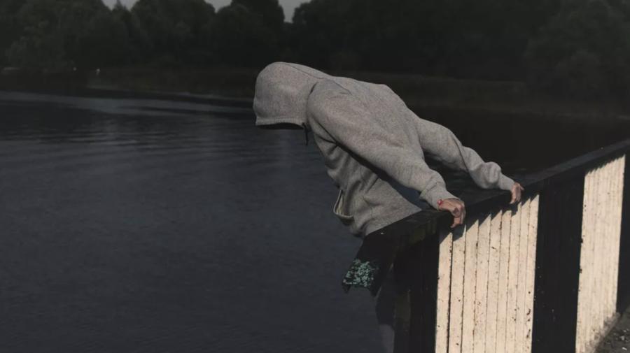 ALARMANT! Suicidul este tot mai întâlnit în rândul tinerilor, iar un DECES survine la fiecare 40 de secunde