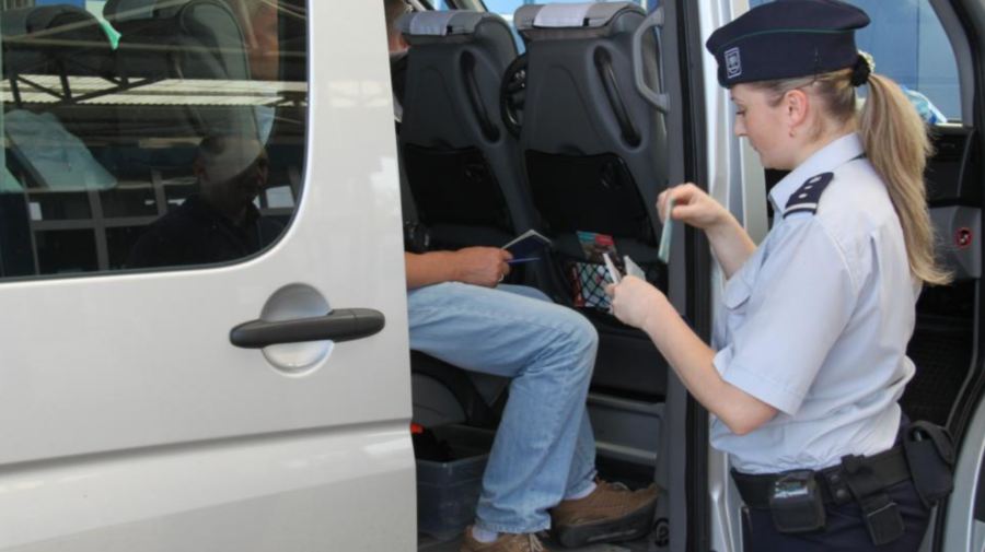 S-au pornit cu teste COVID-19 false în Moldova, dar li s-a permis să intre în țară. Care a fost CONDIȚIA