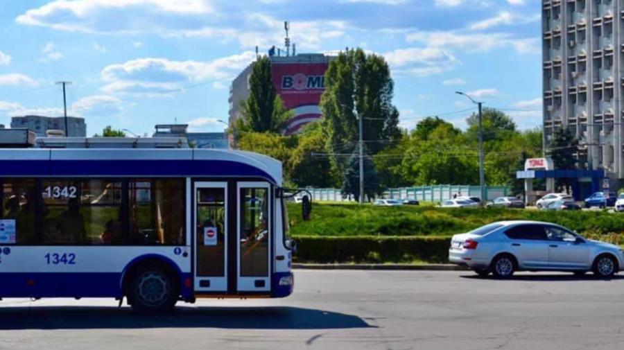 """Se suspendă ruta suplimentară """"D"""". Ce troleibuze revin PARȚIAL la itinerarul inițial"""