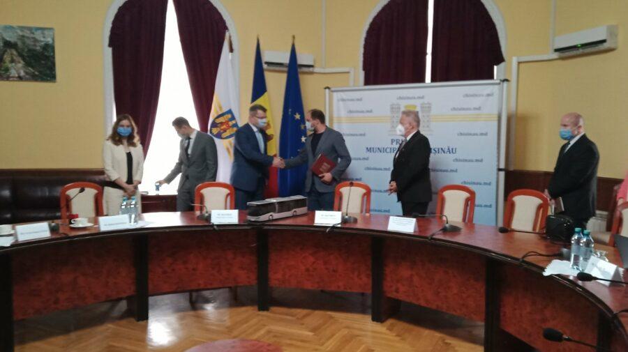 VIDEO Decis: cele 100 de autobuze noi, marca ISUZU, vor fi aduse la Chișinău până la sfârșitul anului