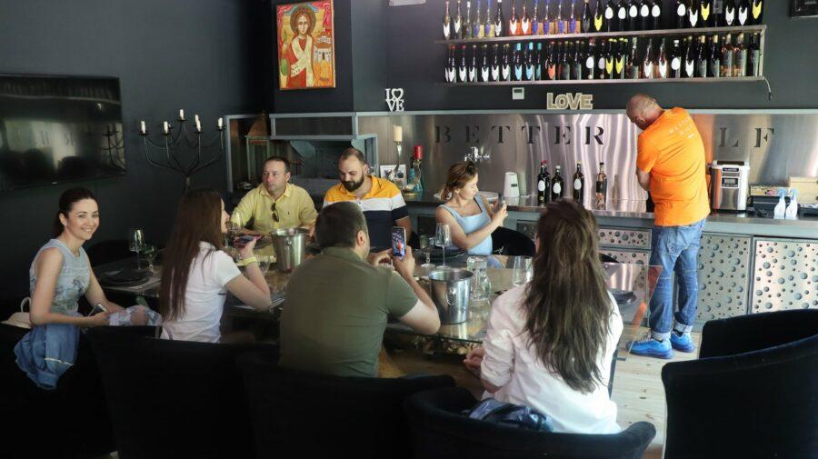 FOTO Companiile vitivinicole din Republica Moldova, vizită de LUCRU în România și Bulgaria. Care a fost scopul