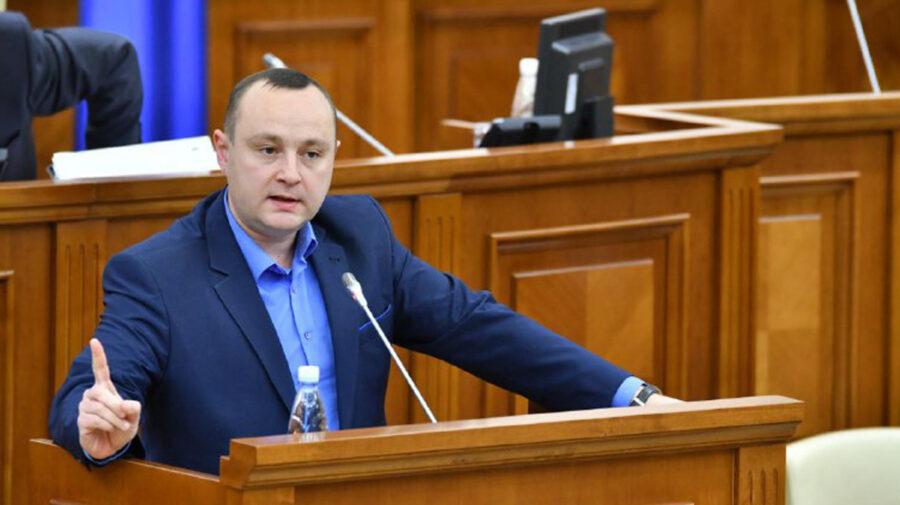 VIDEO BECS, supărați foc pentru că Parlamentul a intrat în pauză până joi: A fost o farsă. Dacă știam, nu am fi venit