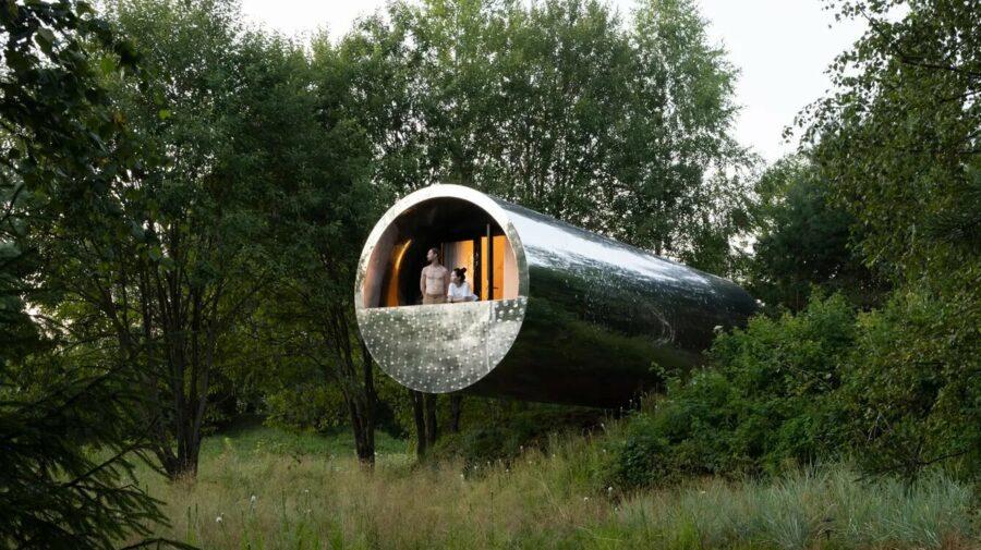 FOTO O casă în formă de țeavă! Cum este să locuiești în ea? Pare extraterestră, dar se află pe pământ!