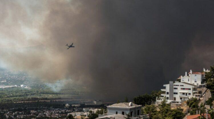 Atena este amenințată de incendii! Șase locuitori din suburbiile capitalei Greciei și un pompier, duși la spital