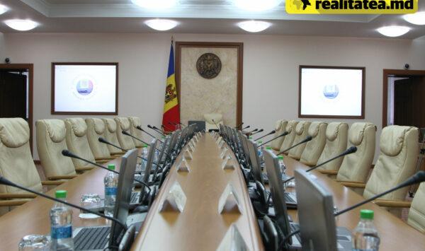 Șase miniștri din fosta garnitură Gavrilița, prezenți în actuala. Cine a fost exclus și cum vor fi divizate ministerele