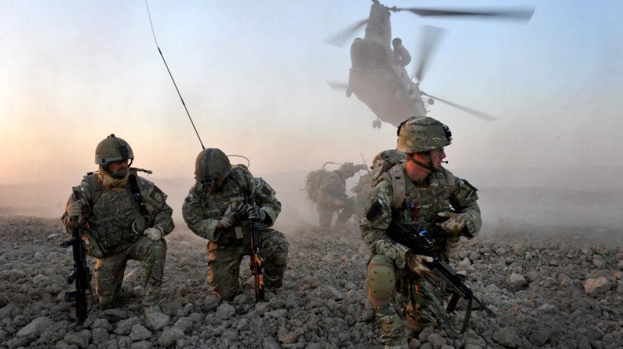 ALERTĂ! NATO se reunește de urgență, în timp ce talibanii se apropie de capitala Kabul