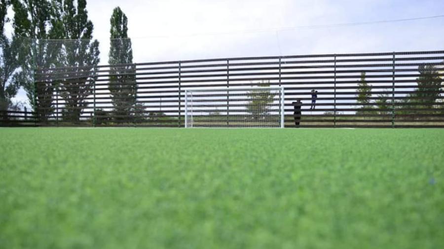 FOTO Stadion de fotbal modern, inaugurat la Dobrogea! Investițiile vor continua, anunță municipalitatea