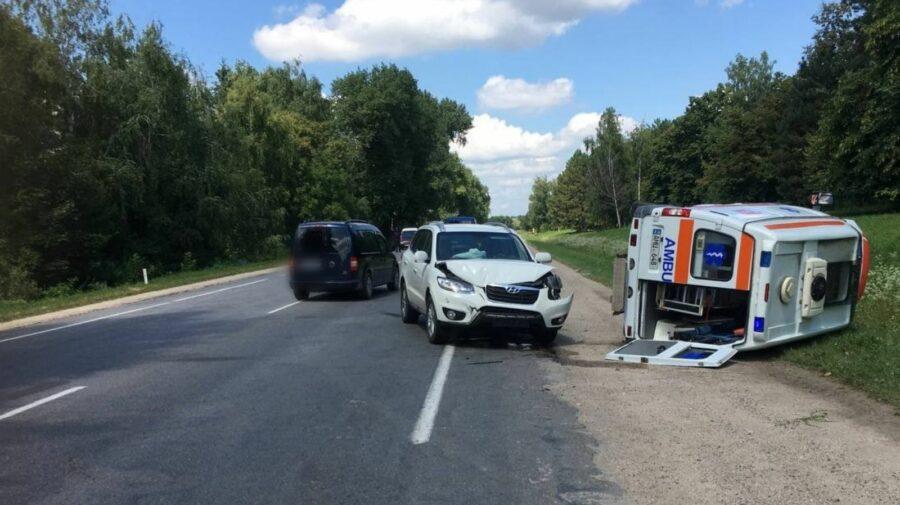 Ambulanța e de vină, spune poliția după accidentul de la Edineț! Ambii șoferi au refuzat ajutorul medicilor