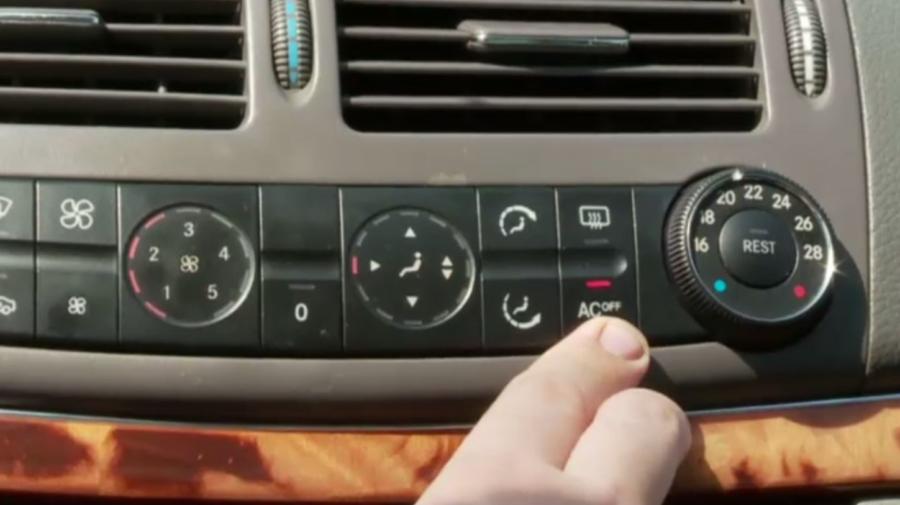 Când mașina consumă mai mult carburant? Când este pornit aerul condiționat sau când se merge cu geamurile deschise?