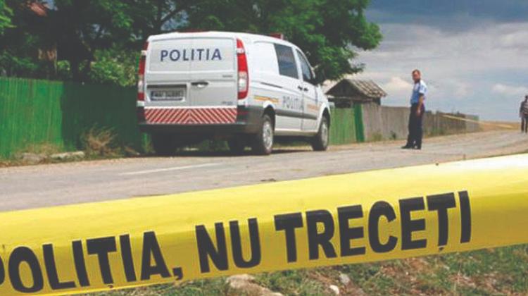 Crimă la FĂLEȘTI! Și-a înfipt un cuțit în piept în fața polițiștilor. Individul ținea ostatici DOI copii