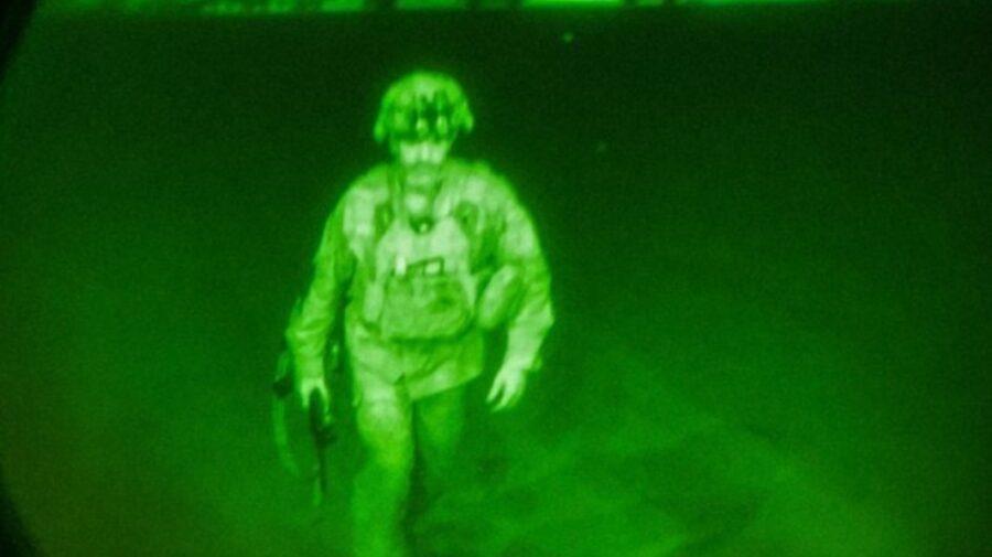 FOTO, VIDEO Când ultimul militar american a părăsit Afganistanul, talibanii au sărbătorit cu focuri de armă