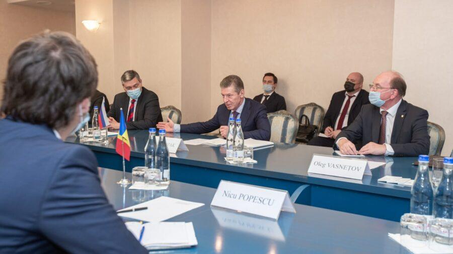 EXCLUSIV! După Sandu, Kozak s-a întâlnit cu Dodon și Voronin la Ambasada Rusiei. Omul lui Putin încă se află în Moldova