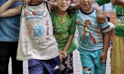 """VIDEO """"La noi așa e moda"""". Copile de etnie romă din Moldova se mărită chiar și la 12 ani. Baronul ar fi împotrivă!"""