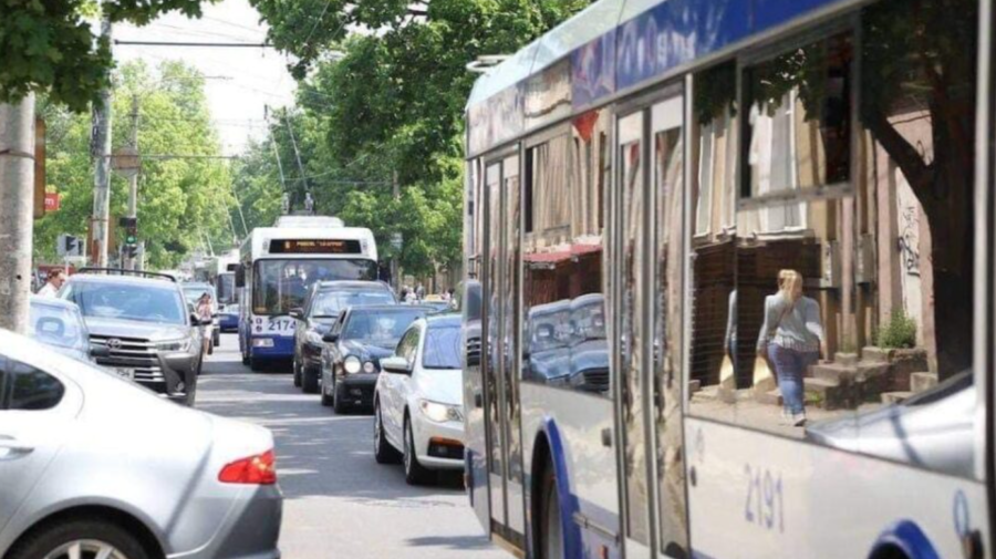 Chișinăul, sufocat de ambuteiaje! Străzi unde transportul public circulă cu întârziere. Vizează și rutele suburbane