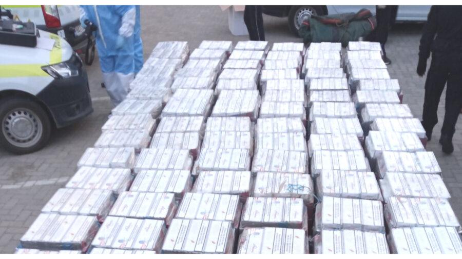 Poliția de Frontieră, cu detalii despre avionul și contrabanda cu țigări. În direct pe RLIVE.MD
