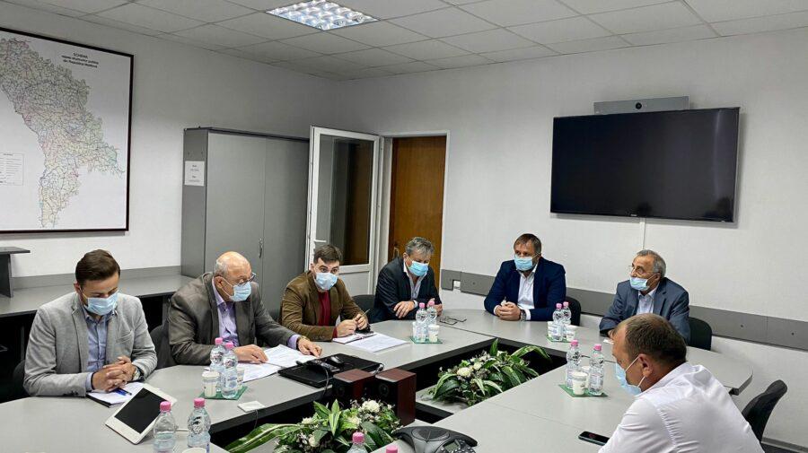 Conducerea ASD și antreprenorii s-au întâlnit în ședință de lucru. Au discutat despre marcajul rutier