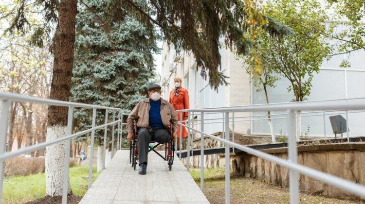 FOTO Judecătoria din Soroca se modernizează. Cu suportul Suediei a fost instalată o rampă de acces