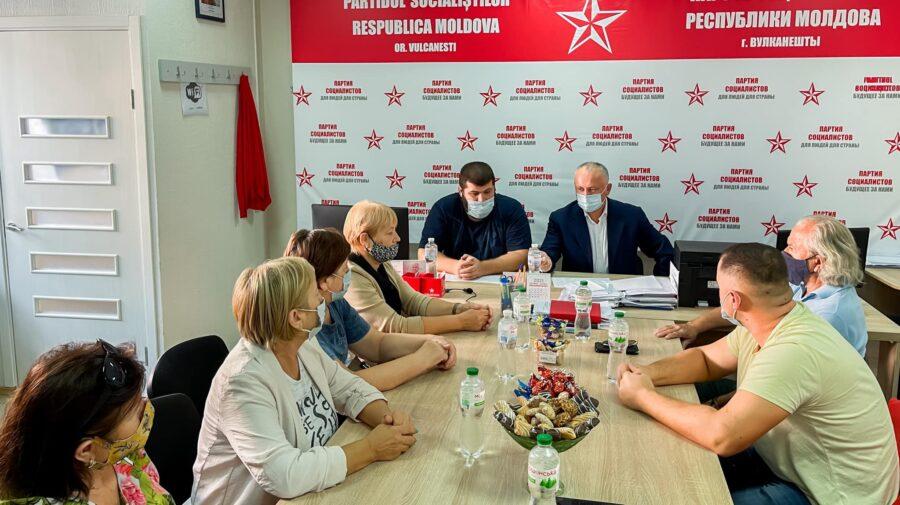 """După vacanță, PSRM în frunte cu Dodon """"se apucă de lucru"""". Au început cu ședințele partinice în Găgăuzia"""