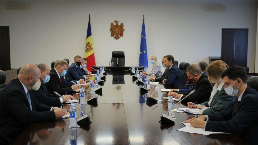 Protejarea Nistrului și liberalizarea circulației între Ucraina și Moldova, discutate de oficiali moldoveni cu Reznikov