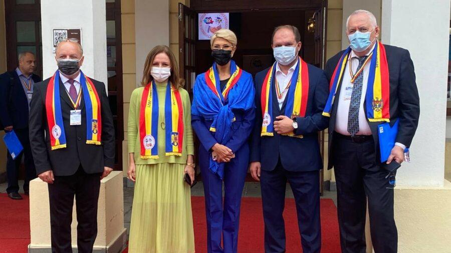 FOTO Cu tricolorul la gât, Ion Ceban cutreieră de câteva zile România – Relații bilaterale, înfrățiri și memorandumuri